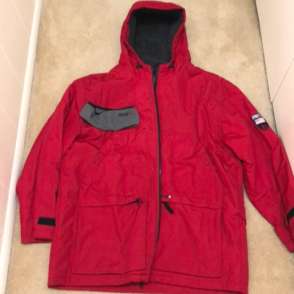 aad1b5fed275 Men s STRUCTURE red parka. M 5b68485ffb3803be6fc8a61f